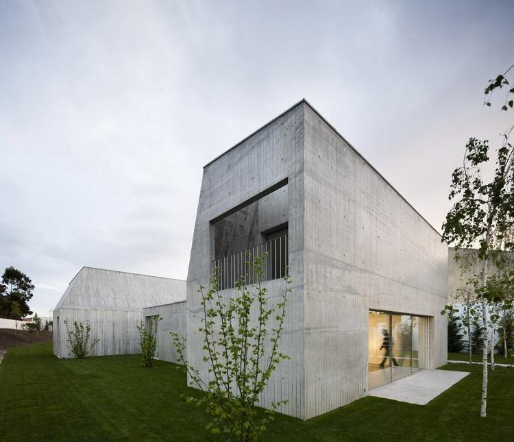 House In Ovar By Paula Santos Homeadore