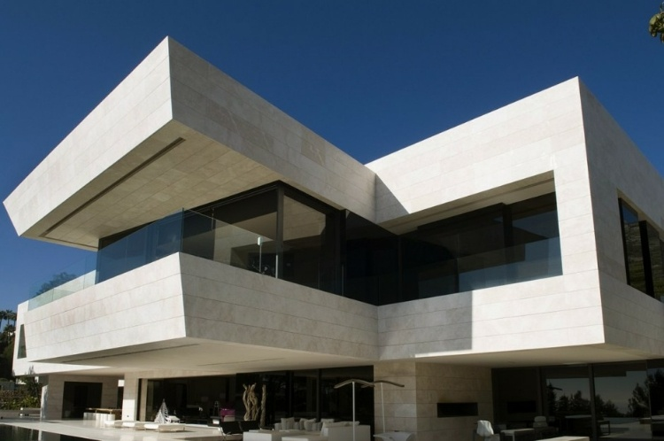 Family House in Marbella by A-cero