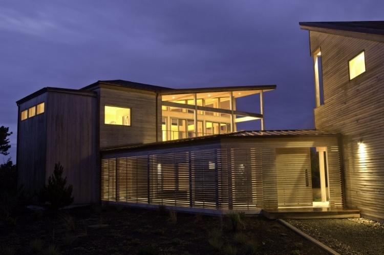Coastal Residence by Boora Architects