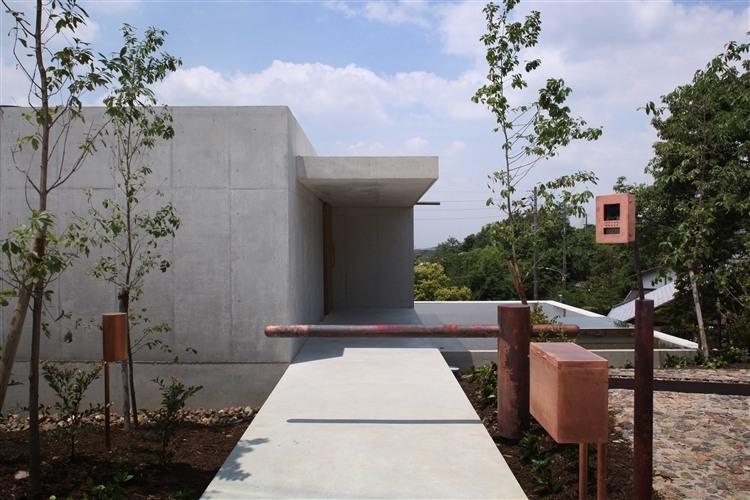 Minamiyama House by Tomoaki Uno Architects