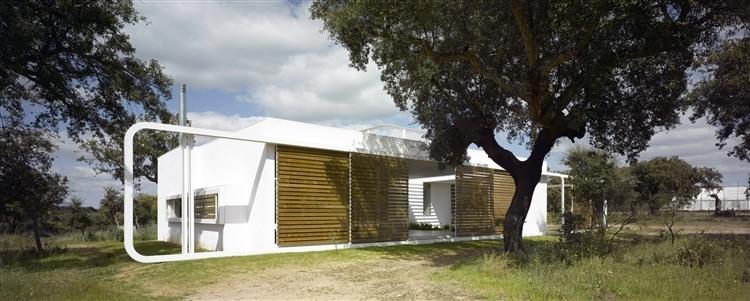 Casa Entre Encinas by Murado & Elvira