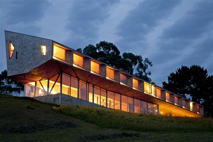 Hotel Refugia by Mobil Arquitectos