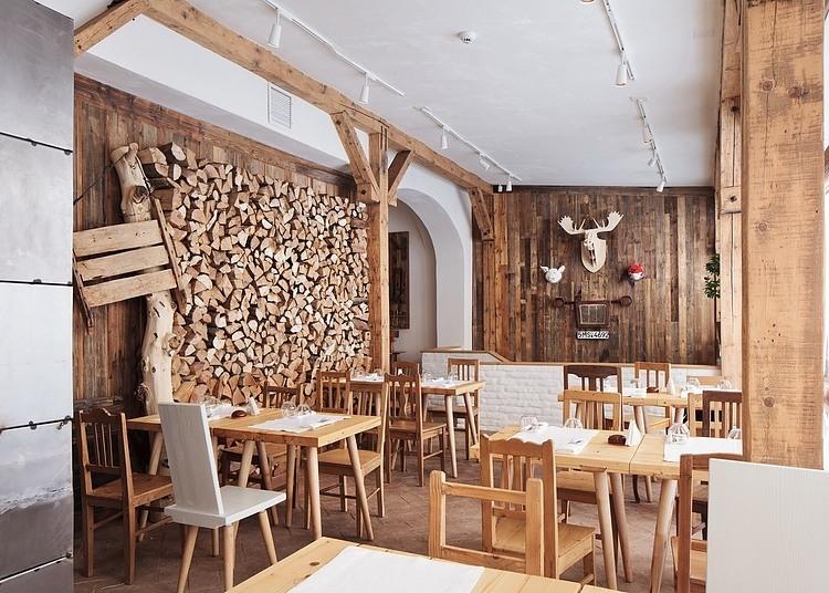 Lacrimi si sfinti aires rusticos en bucarest comodoos - Decoracion de restaurantes rusticos ...
