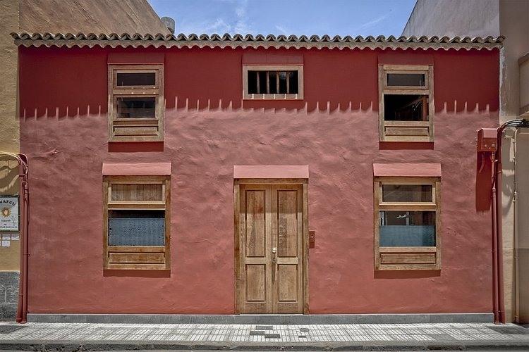 La laguna house by beautell arquitectos homeadore - Century 21 la laguna ...