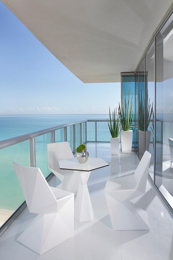 Luxurious Jade Ocean by Britto Charette