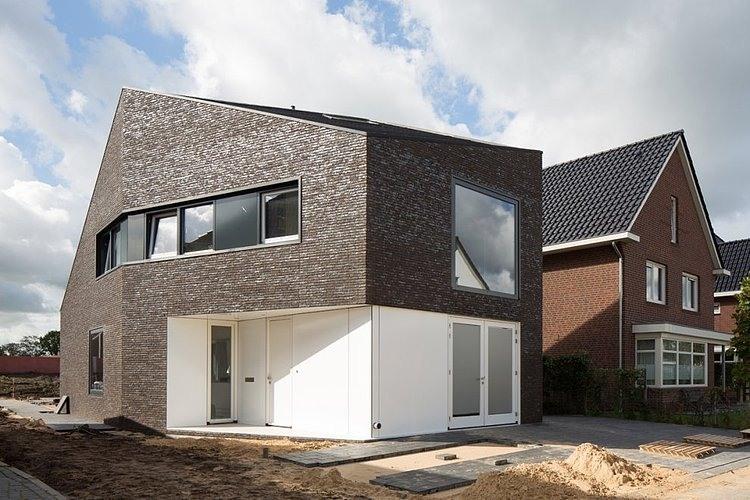 Van Leeuwen House by JagerJanssen Architecten