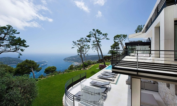 Bayview Villa in Côte d'Azur, France