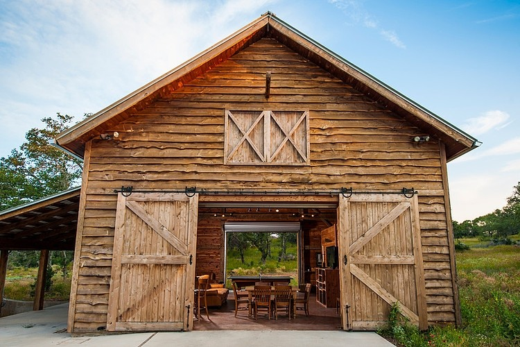 Fultonville Barn By Heritage Barns Architects Corner
