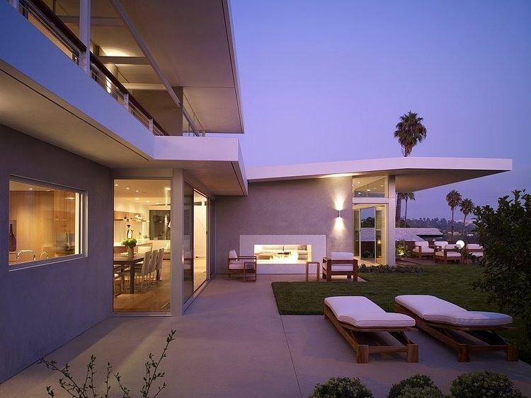 Westridge Residence by Montalba Architects