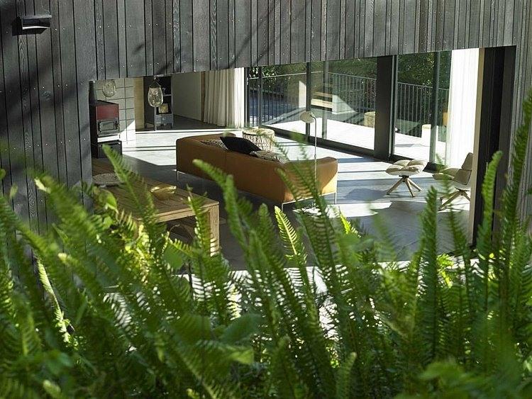 Waiatarua House by Hamish Monk Architecture