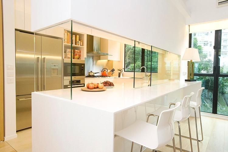 Hong Kong Apartment by Clifton Leung