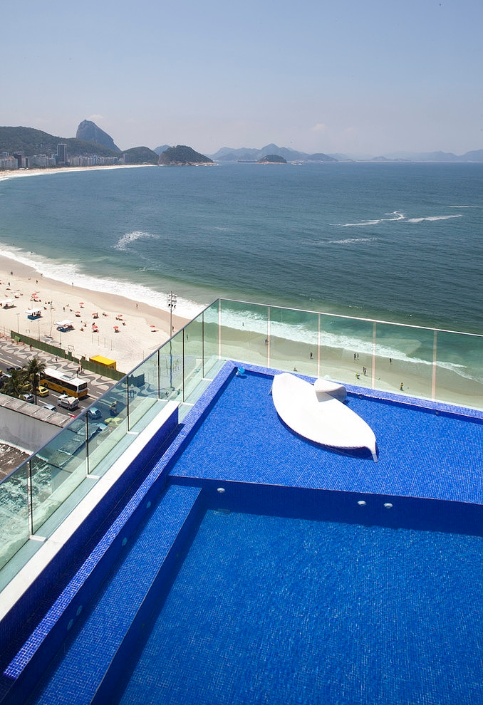 Copacaba Triplex by Carlos Cesar Ferreira Arquitetura