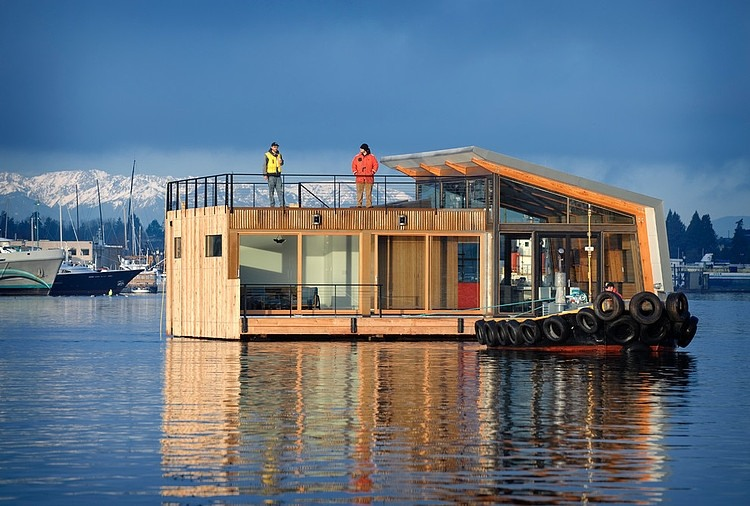 Seattle Floating Home by Dyna Contracting