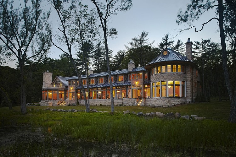 Lake House Retreat by Morgante Wilson Architects