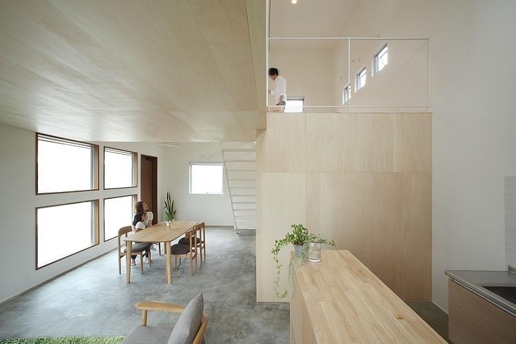 Azuchi House by Sumiou Mizumoto
