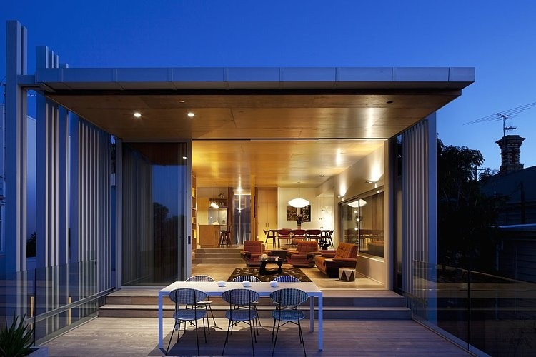Brown Vujcich House by Bossley Architects