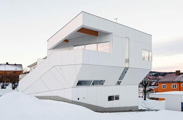 The Polite House by JVA