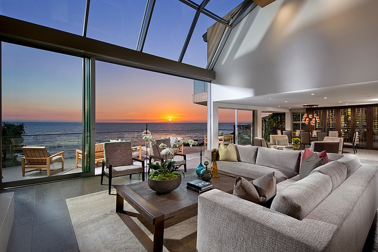 Woods Cove Home by Brion Jeannette Architecture