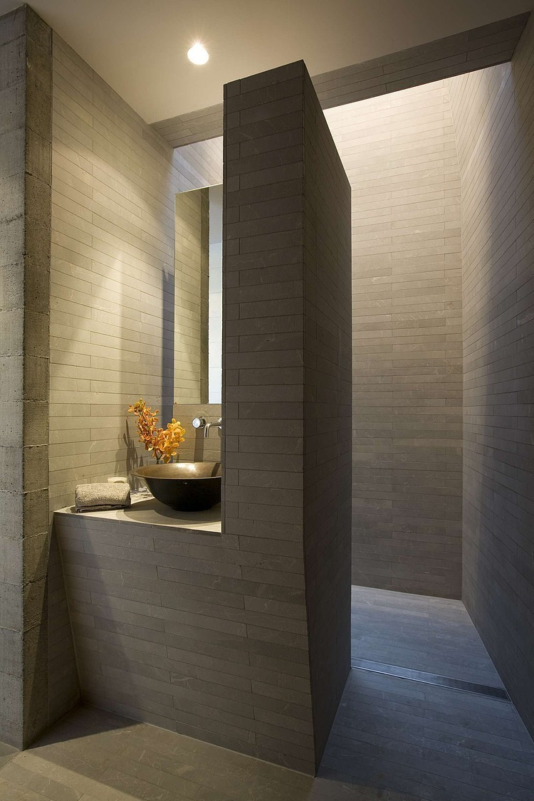 Harbourside Apartments by Andrew Burges Architects