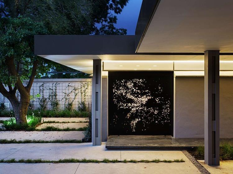 House 02 by Daffonchio & Associates Architects