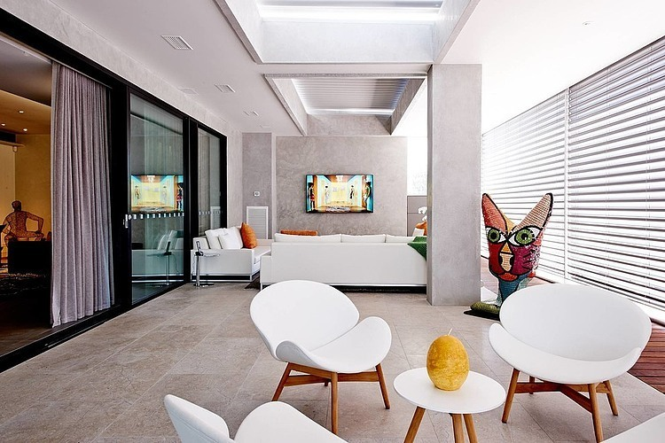 Modernist House by DSID