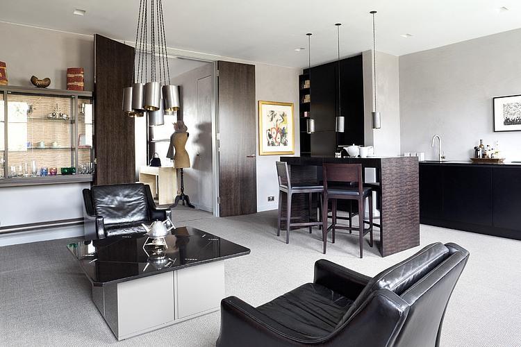 Eaton Square Apartment