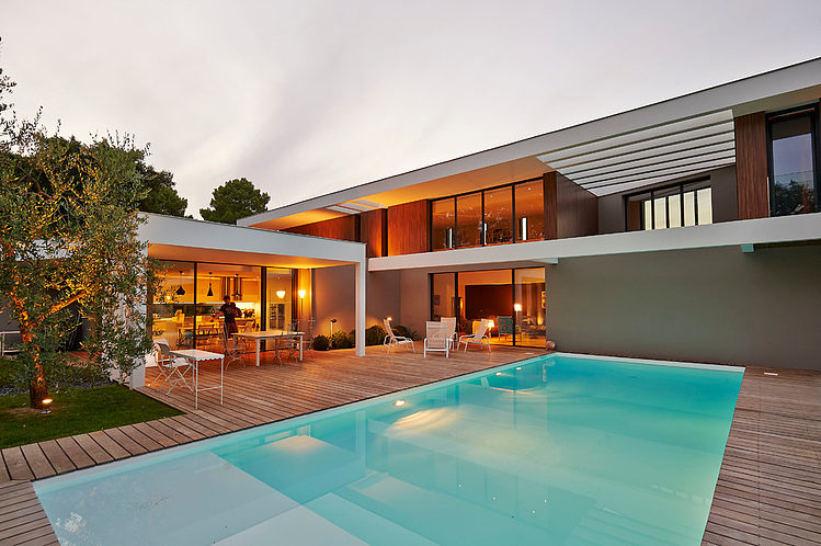 Contemporary House in Bordeaux by Hybre Architecte | HomeAdore