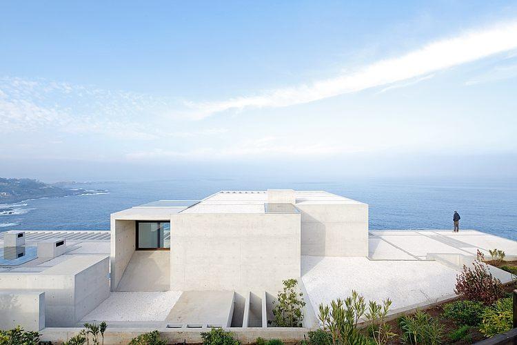 Mo House by Gonzalo Mardones