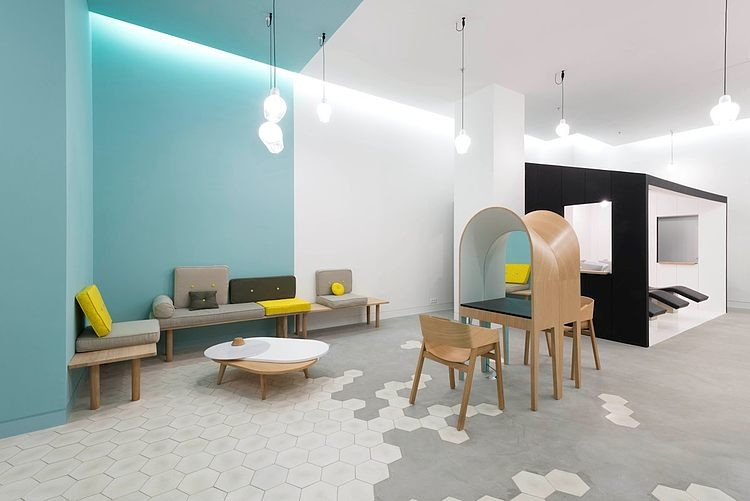 Le Coiffeur by Margaux Keller and Bertrand Guillon