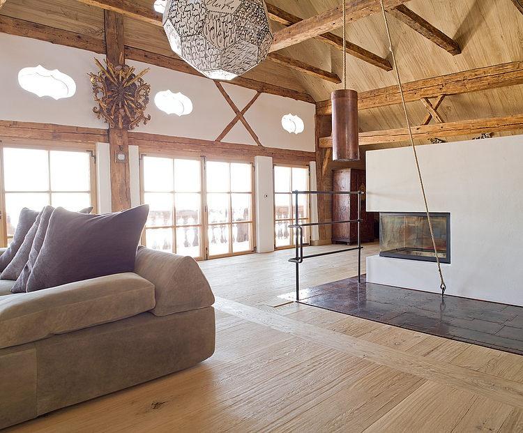 005 chalet tiefbrunnau area homeadore for Mansard room
