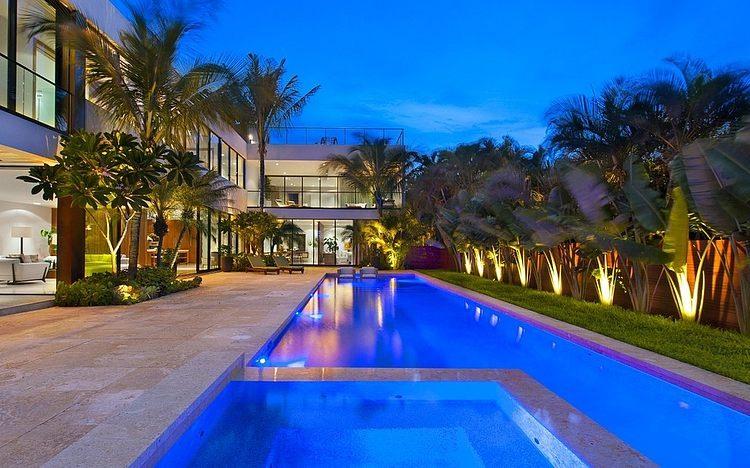 Miami Beach Residence by New Stone Age