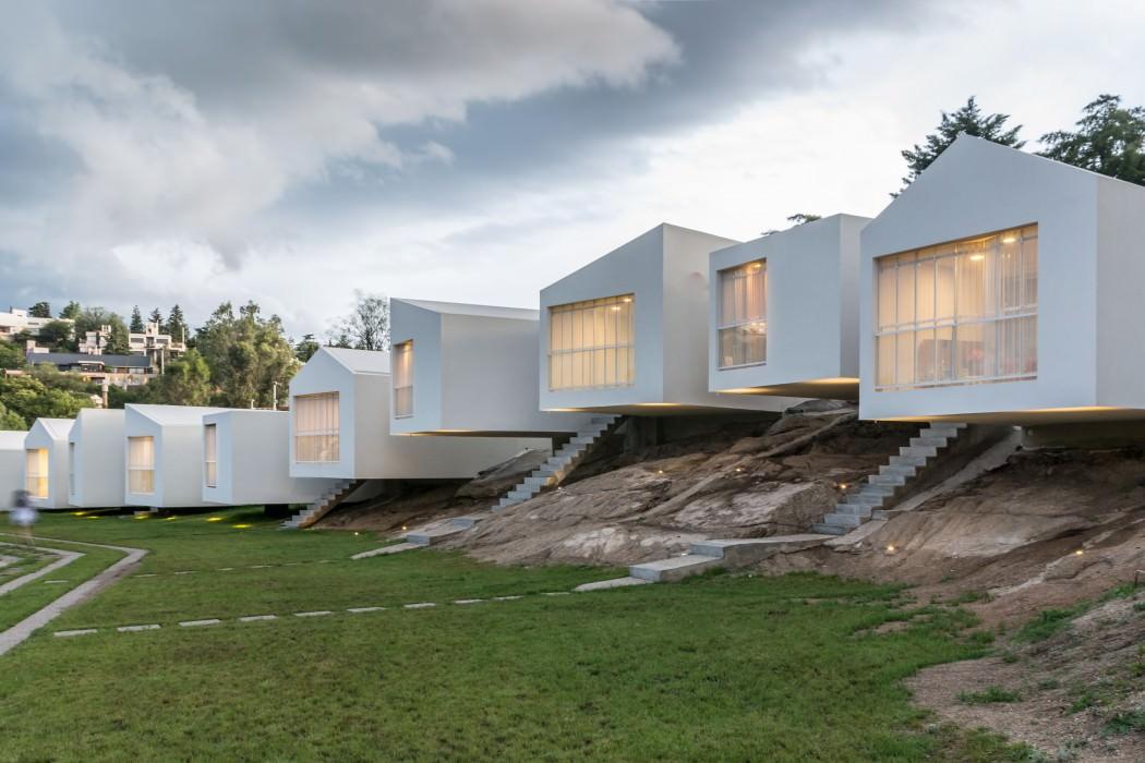 5 Houses by Carlos Alejandro Ciravegna