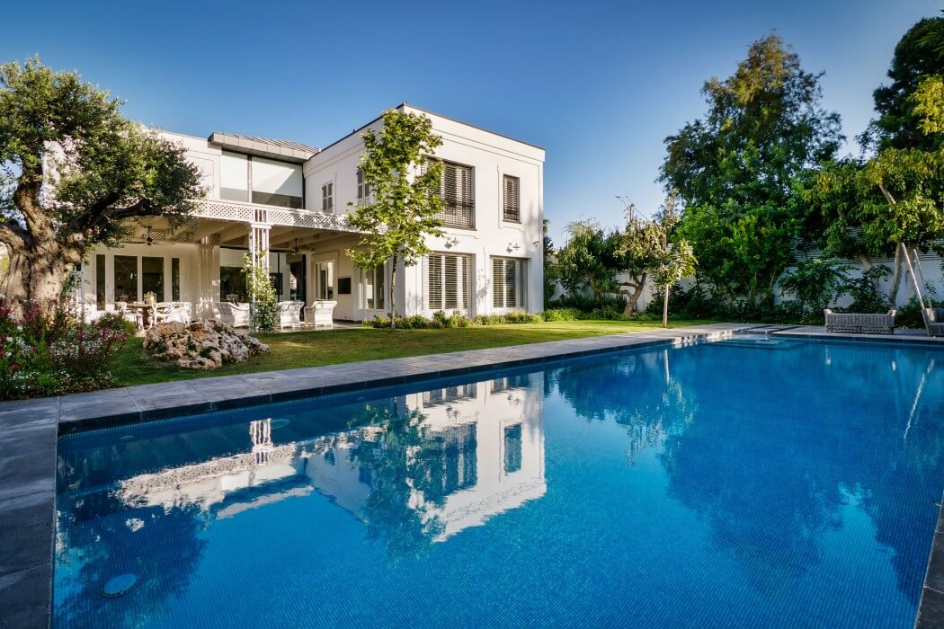 Home in Herzliya Pituach by Witt Architects
