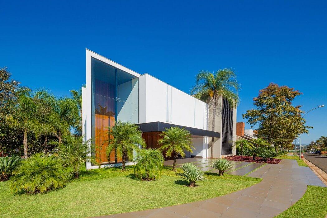 Casa Jabuticaba by Raffo Arquitetura