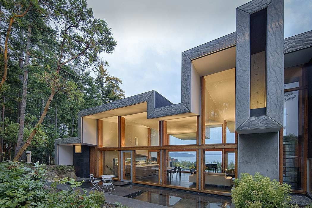 Ridge House by Marko Simcic and Brian Broster