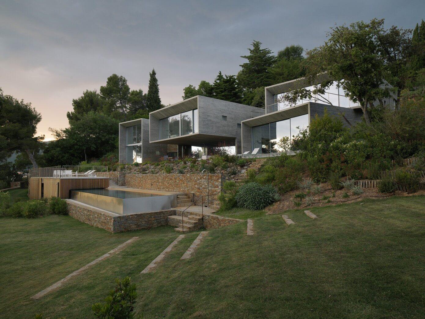 Maison Le Cap By Pascal Grasso Architectures Homeadore