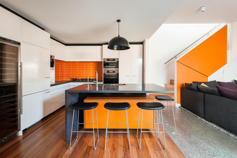 Port Melbourne Residence by Adam Dettrick Architects