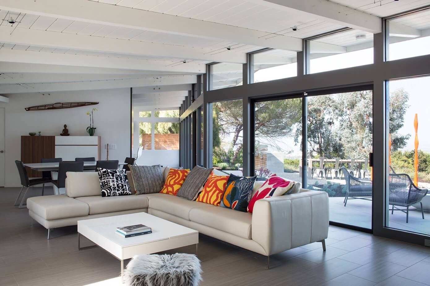 Mid entury Modern House by Klopf rchitecture Homedore - ^