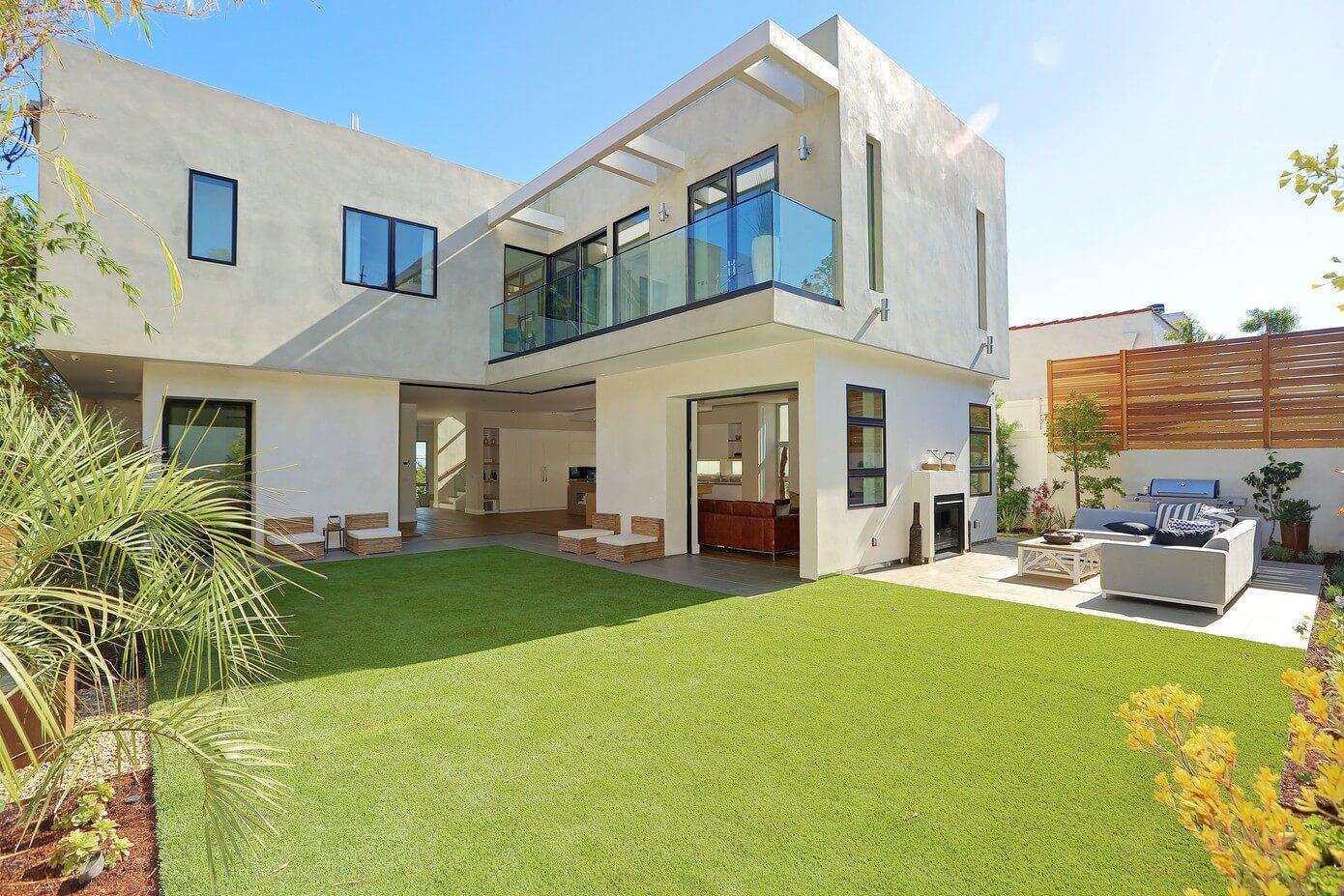 Pacific palisades home by building solutions design for Construcciones de casas modernas