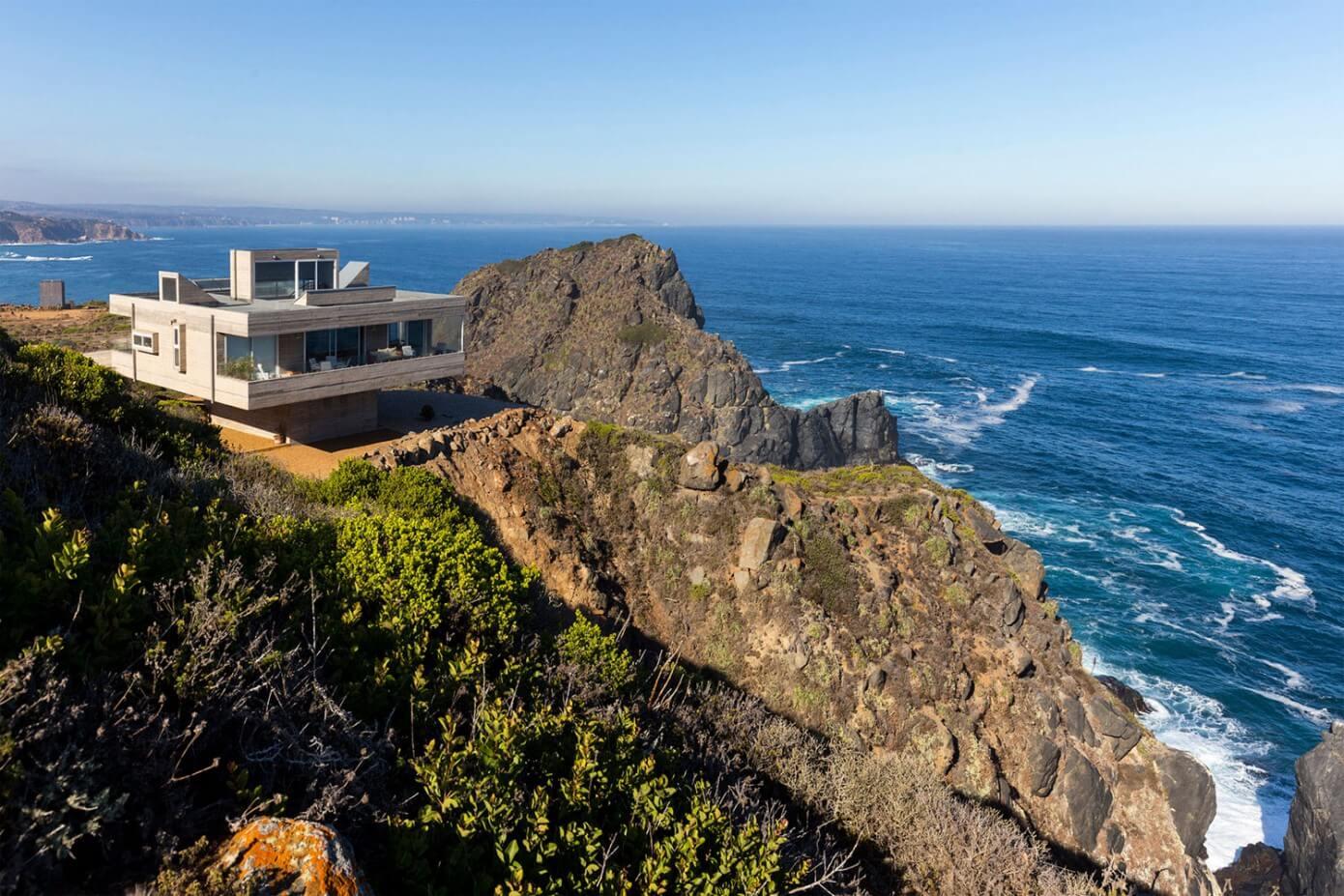 Mirador House by Gubbins Arquitectos