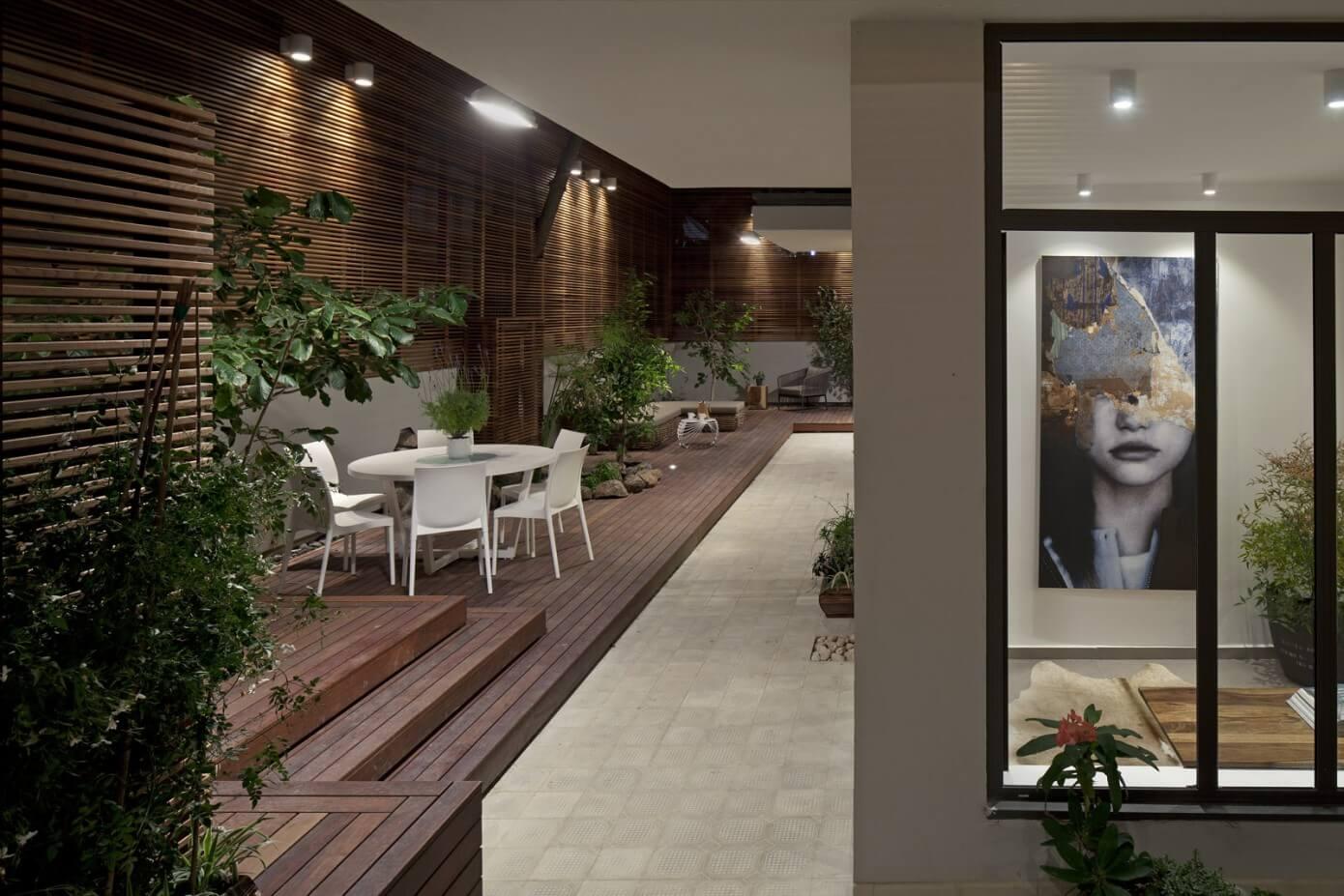 Urban Garden Apartment by BLV Design & Architecture