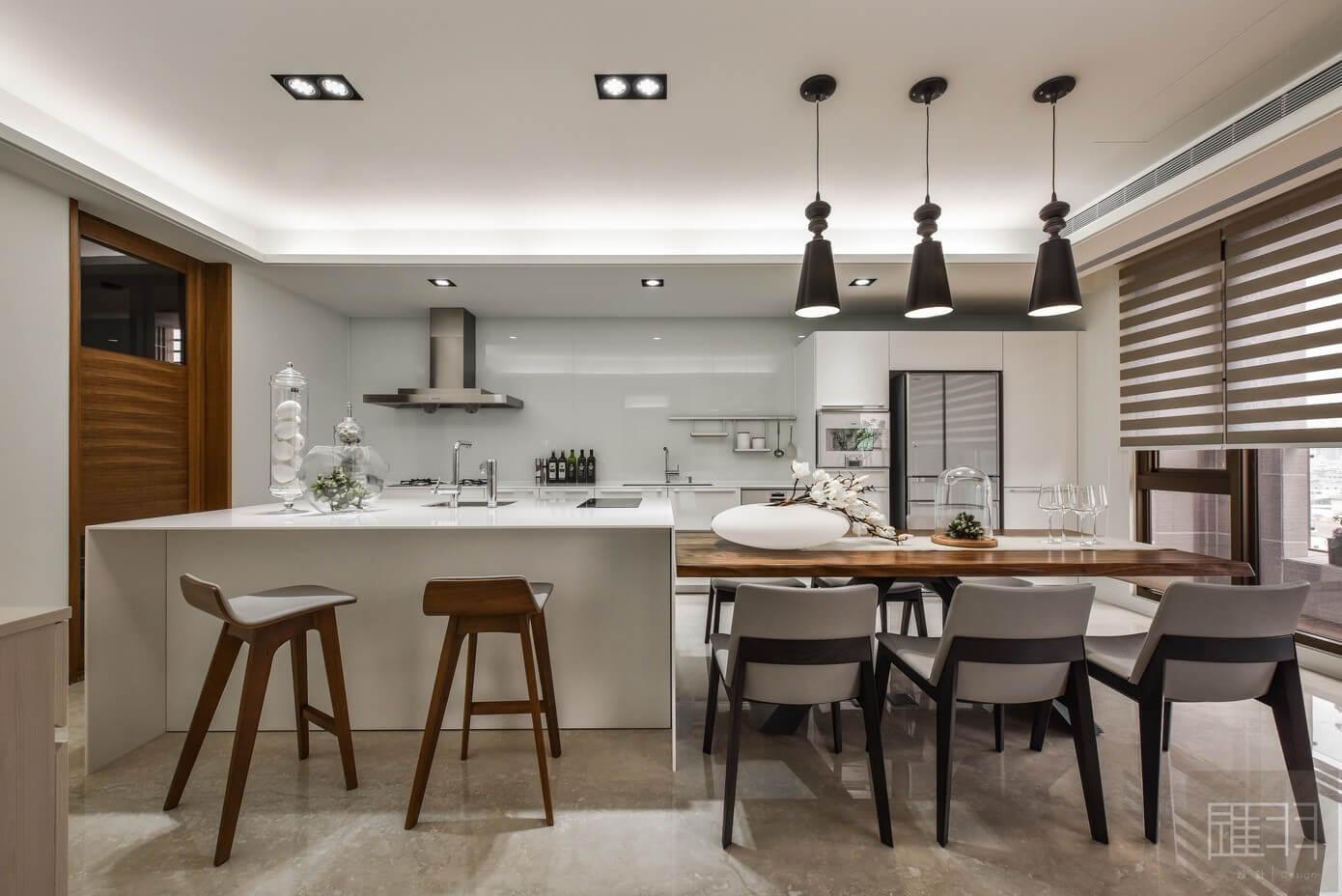 Apartment in Taiwan by Hui-yu Interior Design