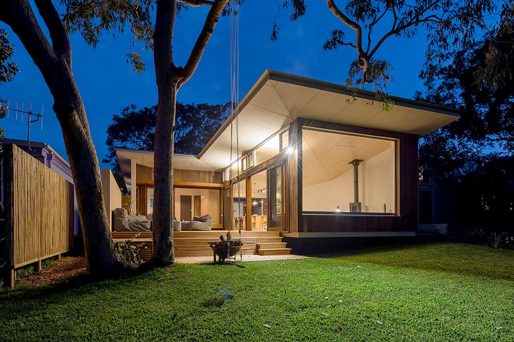 Blueys Beach House by Bourne Blue Architecture