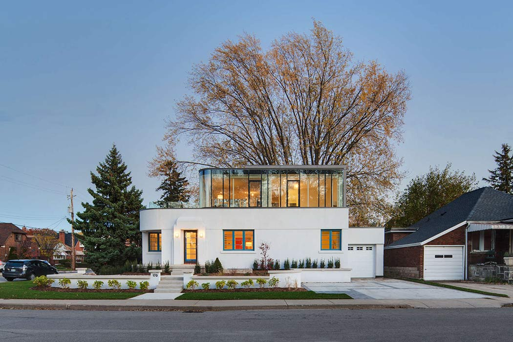 The Hambly House by DPAI Architecture
