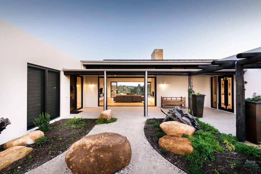 House in Yallingup by Adrian Zorzi