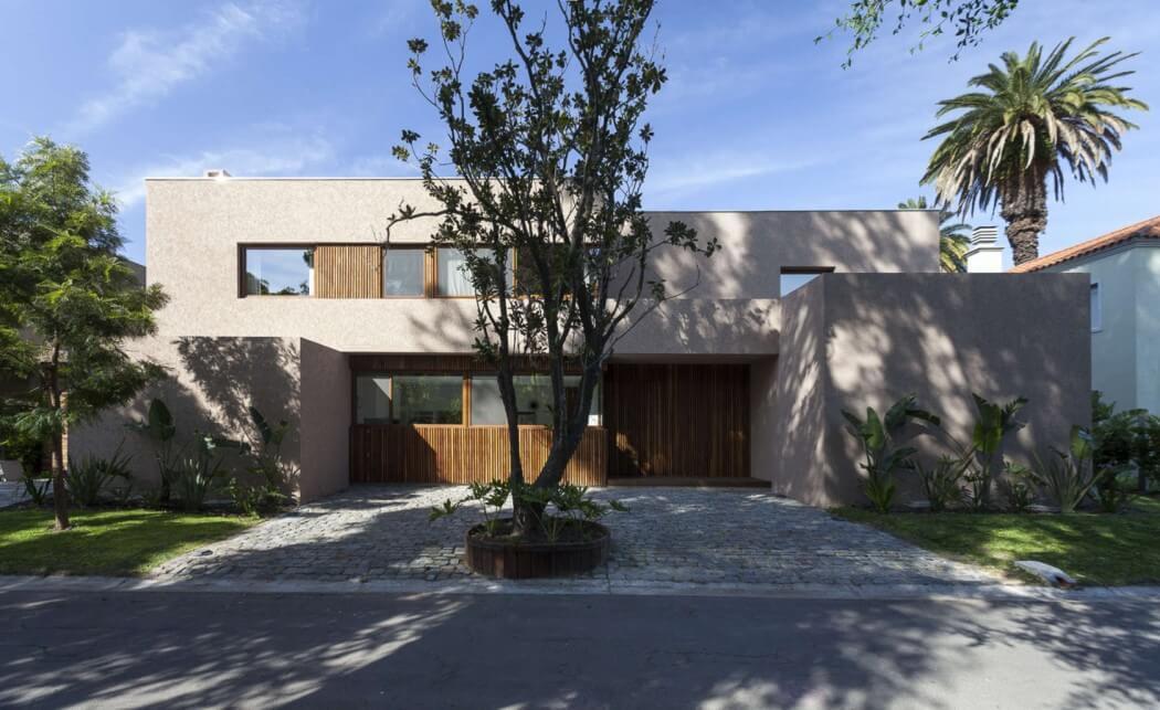 Casa Mirasoles by Andres Fernandez Abadie