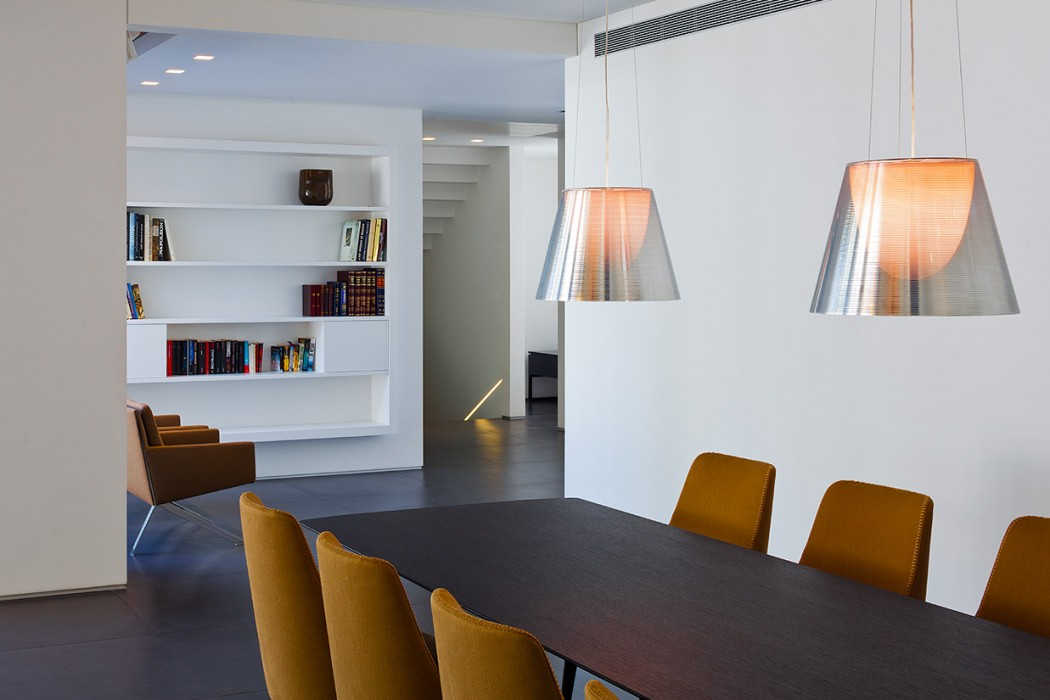 House in Ra'anana by Blumenfeld Moor Architects