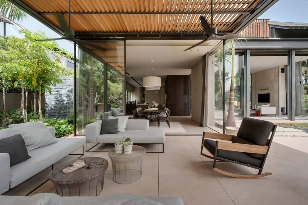 Contemporary Home by Eran Binderman & Rama Dotan