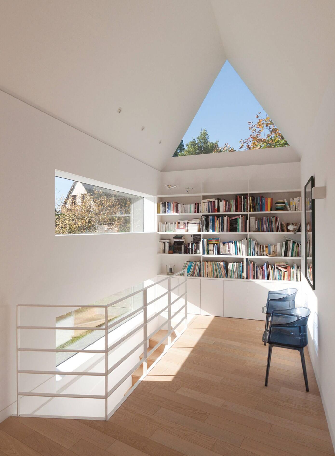 011 house saintcastleguildo feld architecture homeadore. Black Bedroom Furniture Sets. Home Design Ideas