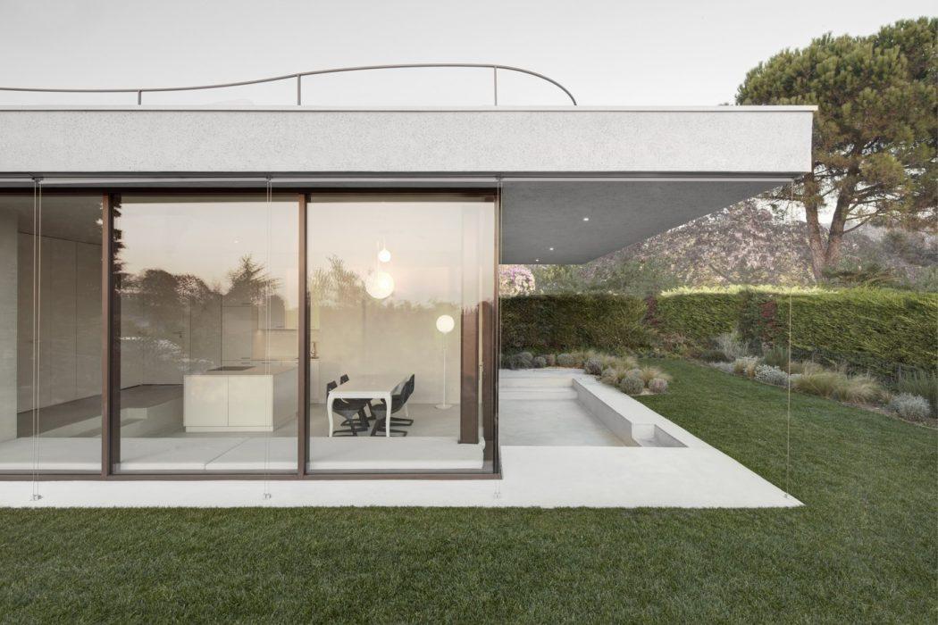 House at Lake Garda by Pedevilla Architekten